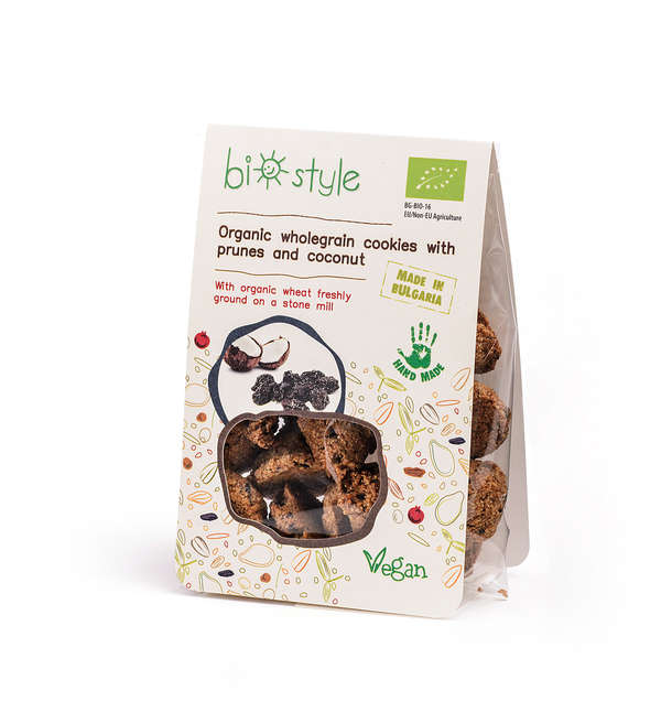 Organic wholegrain cookies with prunes and coconut
