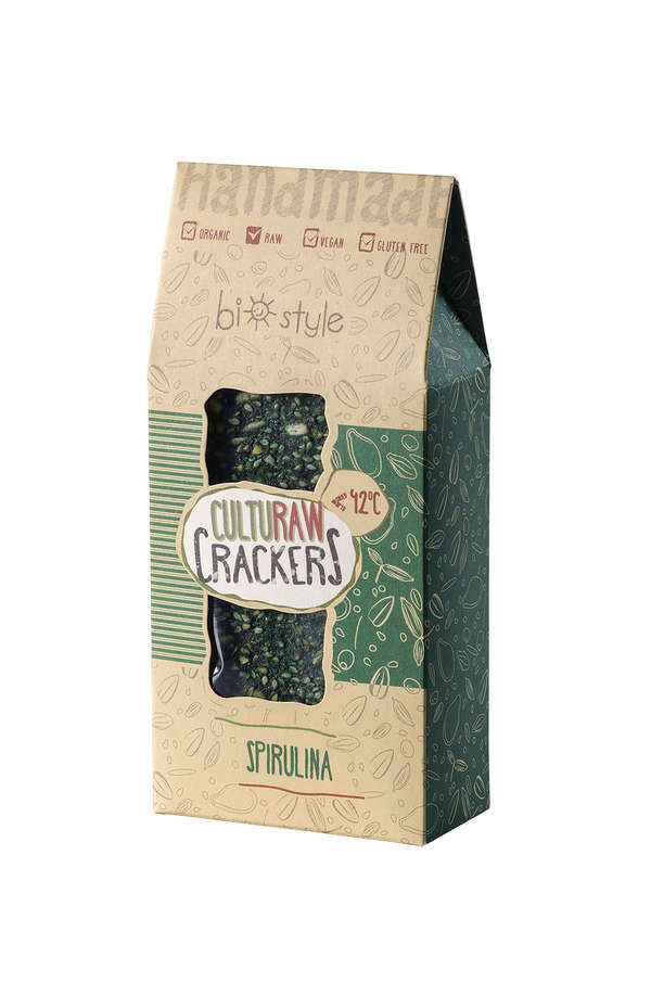 Raw vegan crackers with spirulina