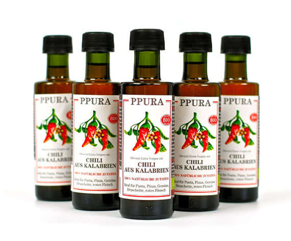 Oliveoil with chilli from Calabria organic